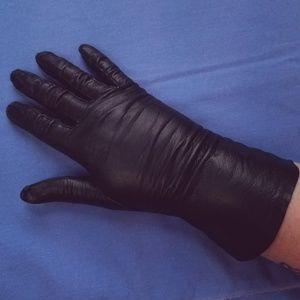 40s VTG Black Kid Skin Leather Wrist Length Gloves